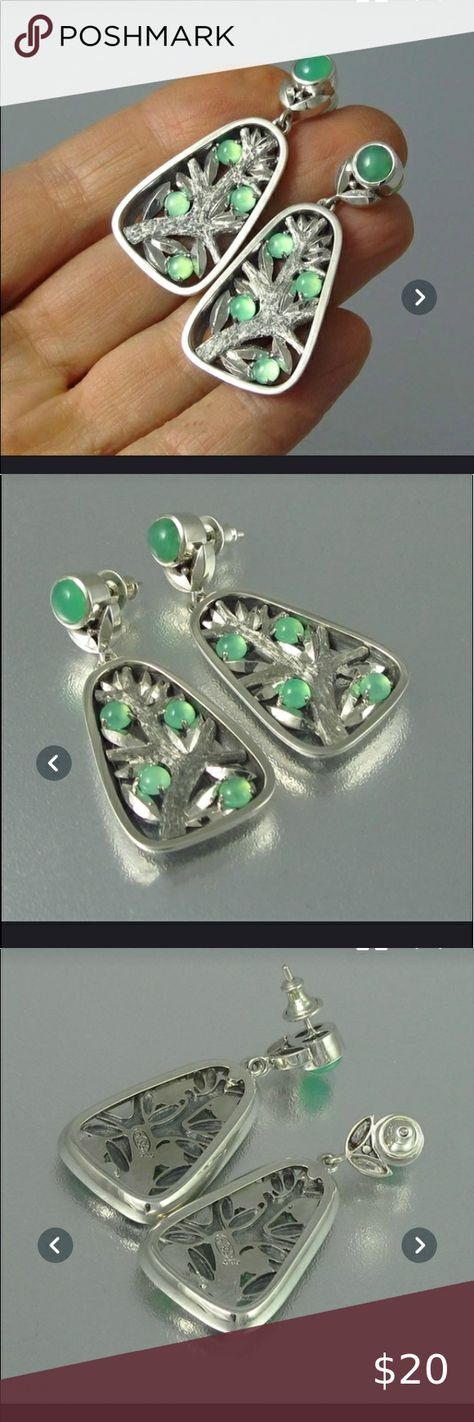 925 silver & green natural gem tree earrings NWT! Brand new! 925 sterling silver and green small circle natural gemstones! Rectangle tree design dangle earrings! Jewelry Earrings