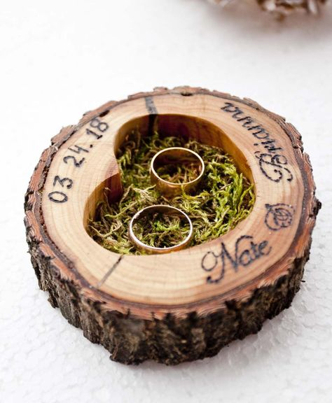 Ring Holder Wedding, Ring Pillow Wedding, Rustic Ring Bearers, Country Rings, Country Wedding Rings, Country Weddings, Redneck Weddings, Country Wedding Inspiration, Country Wedding Cakes
