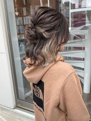 インナーカラー ハイライト ボブアレンジ ロブヘア 髪色 ハイライト