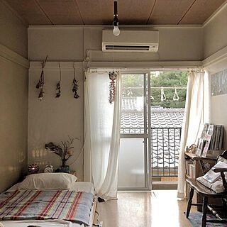 部屋全体 本棚 賃貸 間接照明 ひとり暮らし などのインテリア実例