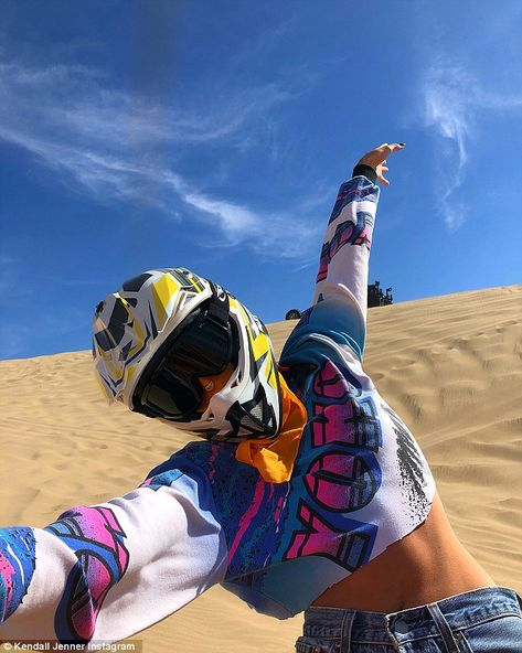 Kendall Jenner rides dune buggies with Kaia Gerber and Cindy Crawford Cindy Crawford, Kendalll Jenner, Jenner Style, Moto Cross, Dirt Bike Girl, Best Sneakers, Girl Next Door, Quad, Photoshoot