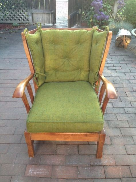 Superieur Comfy Vintage Chair In Pasadena, California ~ Apartment Therapy Classifieds