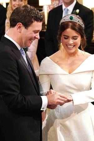 Prinzessin Eugenie Jack Brooksbank Ihre Hochzeit Im Live Ticker Prinzessin Eugenie Konigliche Hochzeitskleider Royale Hochzeiten