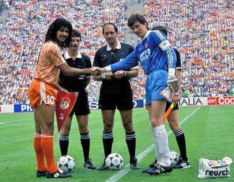 Ruud Gullit E Rinat Dasaev Futebol Historia Do Futebol Esporte