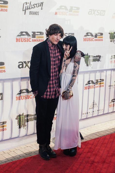 Oliver Sykes Hannah Snowdon At The Alternative Press Music Awards Red Carpet Hannah Snowdon Oliver Sykes Oli Sykes