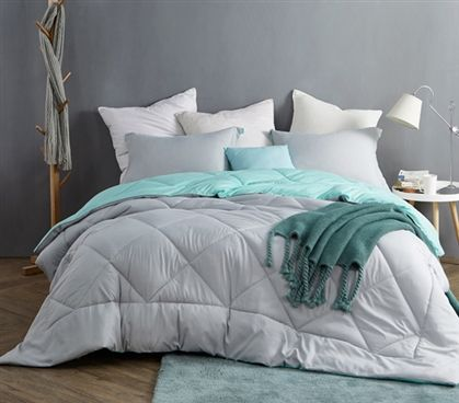 Stylish College Comforter Glacier Gray Yucca Green One Of A Kind