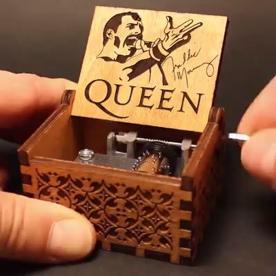 Best Gift Choose Queen Hand Shake Gift Music Box