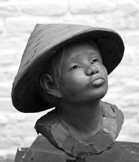 * Chloé SONTROP Above the rice terracotta sculpture - ceramic