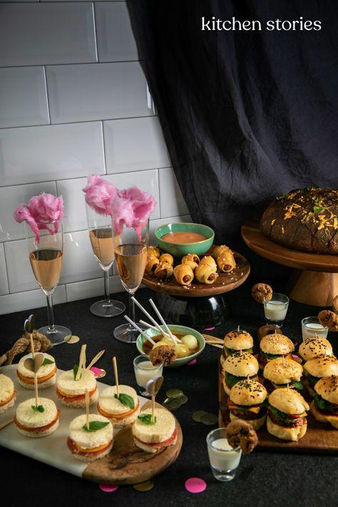10 Party-Snacks, die garantiert jeden Partygast beeindrucken -  Süß und herzhaft #Fingerfood für dein #Partybuffet danke diesen 10 einfachen und leckeren Rezept - #airfryerrecipes #asianrecipes #beeindrucken #breadrecipes #cakerecipes #christmasrecipes #die #fishrecipes #garantiert #jeden #meatloafrecipes #party #partygast #PartySnacks #ricerecipes #smoothierecipes #snacks