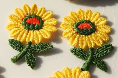 Vintage 1960s yellow flower embroidered applique vintage embroidery