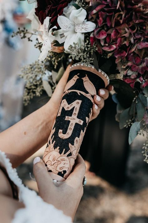Add a special touch to your flower bouquet with a custom leather bouquet wrap. Western Wedding Rings, Cowgirl Wedding, Rustic Wedding, Our Wedding, Dream Wedding, Wedding Ideas, Western Rings, Wedding Ceremony, Country Wedding Decorations