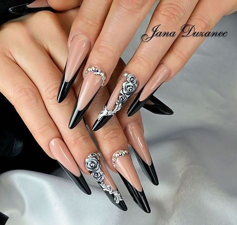 To be honest, these pointy nails are a bit too long for my taste. But I can't dismiss the fact they look absolutely sexy. And besides, you can't be practical all the time!