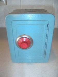 Vintage Toy Safe Mine Was Yellow Lil Kim Pinterest Toy