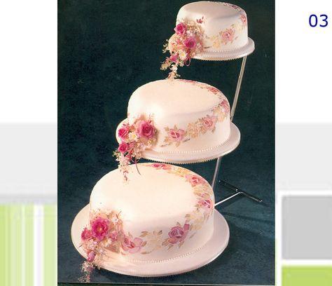 Torta De Bodas Escalonada Forrada En Fondant Rosa Palido Con Flores