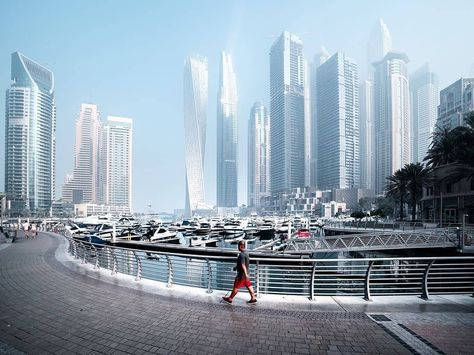 A stroll along #DubaiMarina is set to leave you in awe of all the beauty around, with its striking skyscrapers, architectural marvels,…