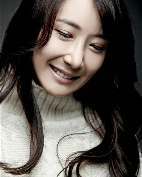 Happy 33rd Birthday To The Lovely Solo Artist Jang Hee Young Happyjangheeyoungday She S A Former Happy 33 Birthday Korean Celebrities Korean Entertainment