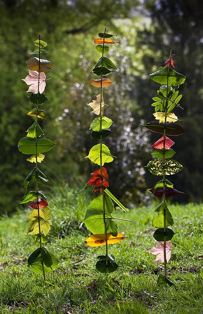 What is land art? Brilliant nature activity for children. From Land Art for Kids. Some amazing help and inspiration.