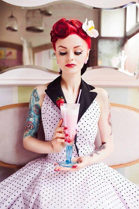 Retro - Pin-up - Portrait - Tattoo - Ink - Milkshake - Photography - Pose Idea