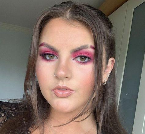 #makeup #makeupbyme #makeuplook #pinkeyeshadow #nudelipstick #boldmakeup