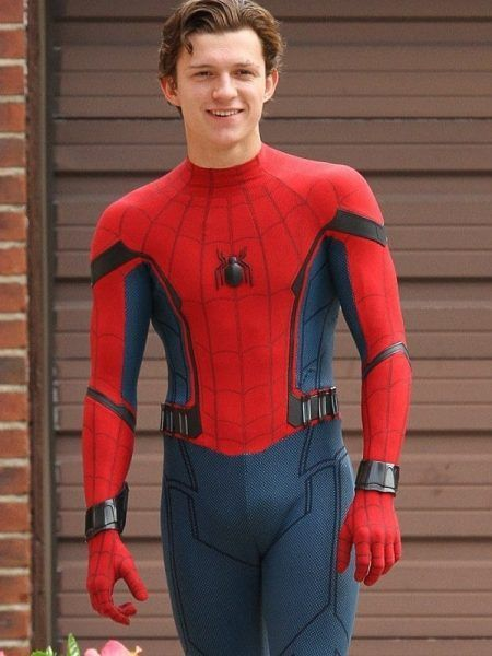 This jacket is inspired by the famous Spiderman Homecoming 2017 movie. The Spiderman Homecoming Tom Holland costume jacket is a must-have piece for Spider-man fans . #jackNcharlie #spidermanCosplay #leatherJacket #redJacket #movieStar