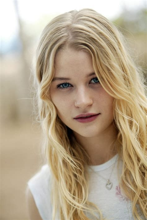 Pictures And Wallpapers Of Celebs Emilie De Ravin Blonde Hair Blue Eyes Light Blonde Blonde Hair Girl