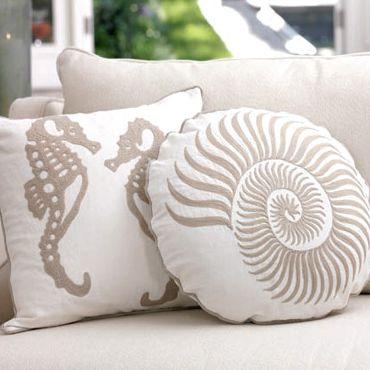 Google Image Result for http://4.bp.blogspot.com/-c25p2cPqGPk/TXATt3SicvI/AAAAAAAAXf0/di8eiytnJZE/s400/seaside-inspired-pillows.png