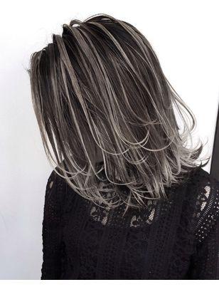 外国人風ロブ ハイライトバレイヤージュ グレージュ 白髪ぼかし 髪