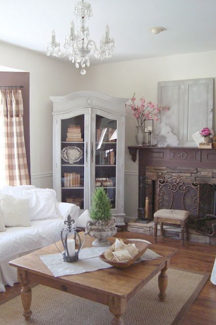 I really like the look of this whole area. Its so light and dainty looking. Nice place to relax.