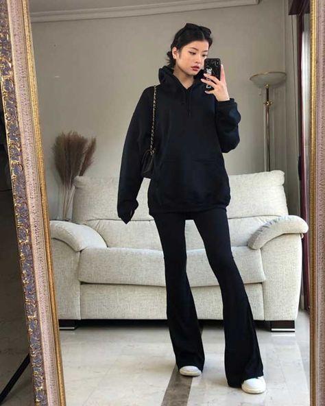 Caroline Hu (@caroline_hu)    Photos and Outfits on 21 Buttons
