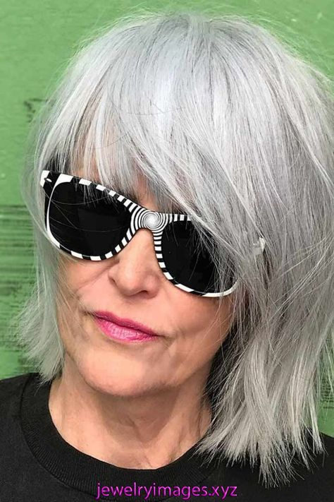 30 Youthful Ideas Of Wearing Bang Hairstyles For Older Women   Ladies who want to be on point in their 50s should check out these bang hairstyles for older women! See how trendy bangs can make you look younger.