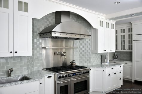 #Kitchen Idea of the Day: Love this hood and backsplash!