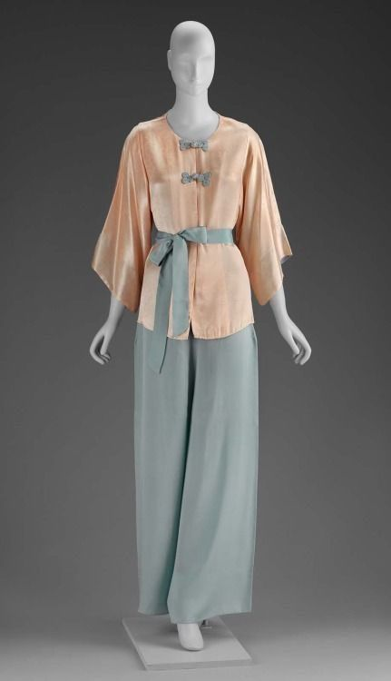 Vest Top Camisole Lounging Pyjamas 1930s Style Pajamas Travel Gift Great Mother/'s Day Gift Art Deco Print Silk /& Jersey