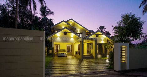 Elegant House Calicut Night With Images Budget House Plans