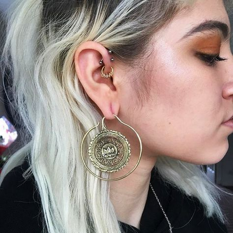 Kyra wearing our brass lotus mandala hoops. 💜☺ These brass hoops are for wearing in large gauge piercings. They are for a minimum of 1.6mm (14G) but can be worn in larger stretched ears, as Kyra is :-) #plugs #gauges #girlswithstretchedears #stretchedlobes