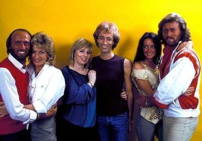 Bee Gees and their wives #BeeGees