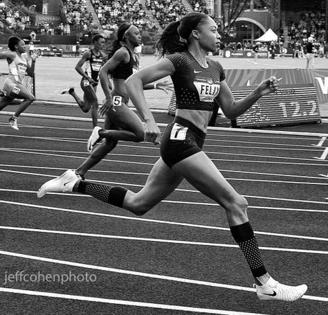 Providing athletics and track and field enthusiasts with a unique view of the sport. For editorial usage or other please email: JEFF All images shot by photographer, Jeff Cohen. Running Track, Track Workout, Allyson Felix, Track Pictures, Why I Run, Runner Girl, Runners High, Workout Aesthetic, Sporty Girls
