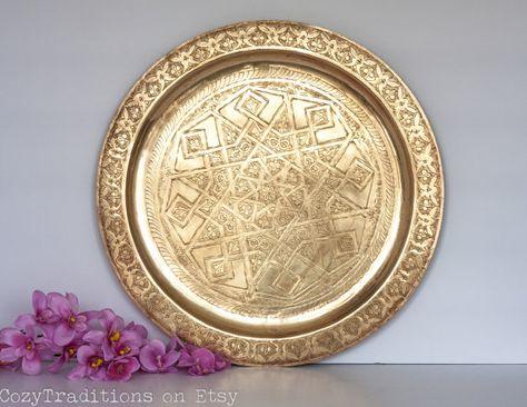 Vassoio di tè marocchino: Marocchino targa in ottone Vintage con disegno geometrico inciso, vassoio superiore tabella orientale, Mediterraneo Home Decor