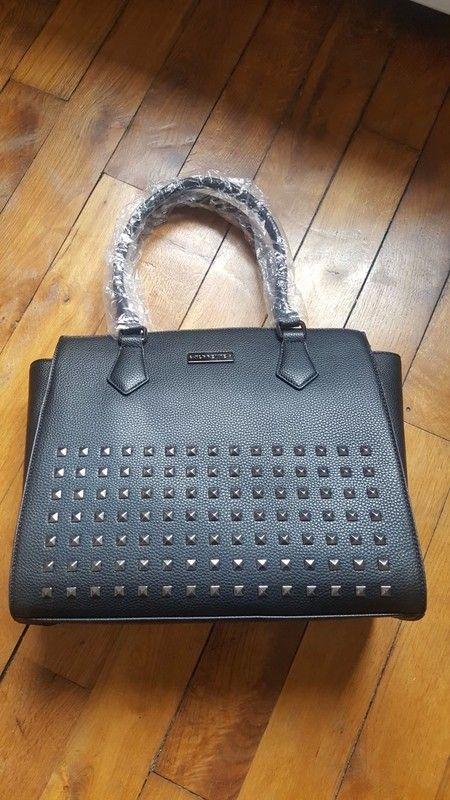 6305e4804a Sac à main Torrente simili cuir noir neuf - vinted.fr | sac torrente ...