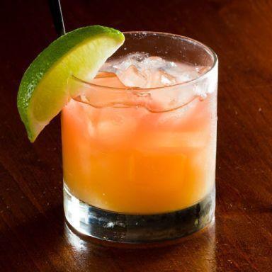 Bay Breeze Recipe In 2020 Bay Breeze Cocktail Fruity Mixed Drinks Malibu Bay Breeze