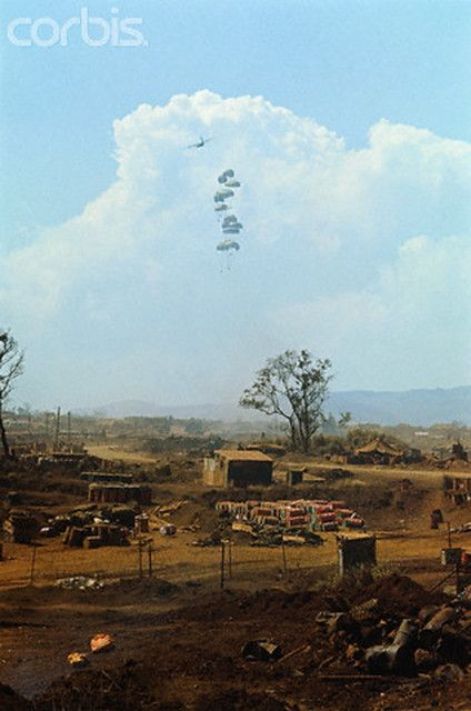 U1585379-5 | 01 Mar 1968, Khe Sanh, South Vietnam --- Suppli… | Flickr