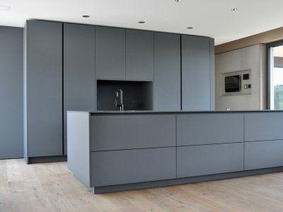 Puristische küche in grau küchen referenzen la cucina é casa küche