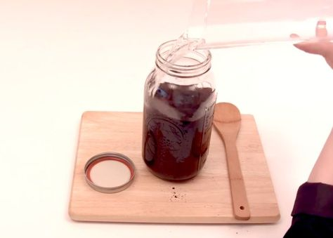 Morning Video Buzz: How To Make Cold-Brew Iced Coffee