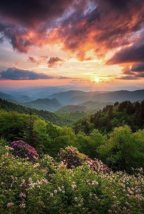 Landscape Photography Perspective Landscapephotographytips In 2020 Mountain Sunset Landscapes Sunset Landscape Beautiful Landscapes