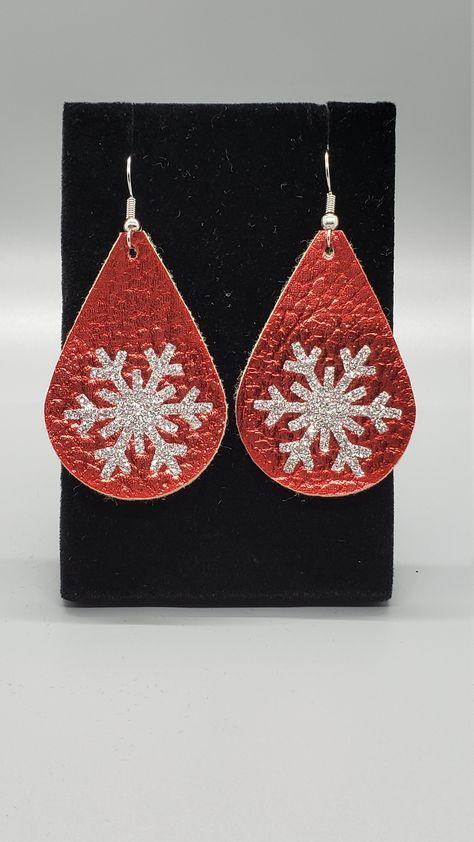 pine bracelet New Year/'s gift gift red pendant Christmas jewelry bracelet earrings cones earrings Christmas gift bracelet cones