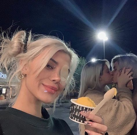 via insta november 23 , 2019 The Love Club, Kim K Style, Jessie James, Foto Pose, Cute Couples Goals, Kardashian Kollection, Grunge Hair, Look At You, Friend Pictures