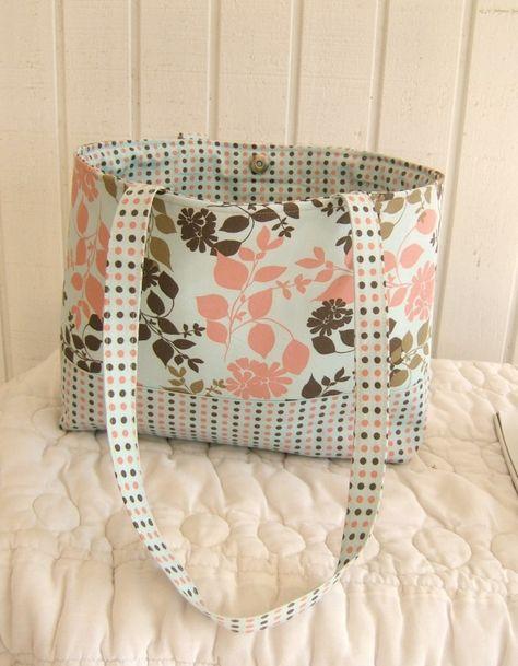 Mrs. Langley's Tote Bag Sewing Pattern – Free!!!