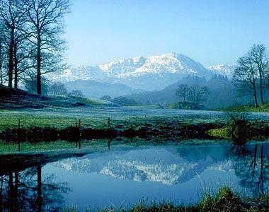 [Image: ddf70323b5be4f812e13e5a2d310b726--lake-d...cenery.jpg]