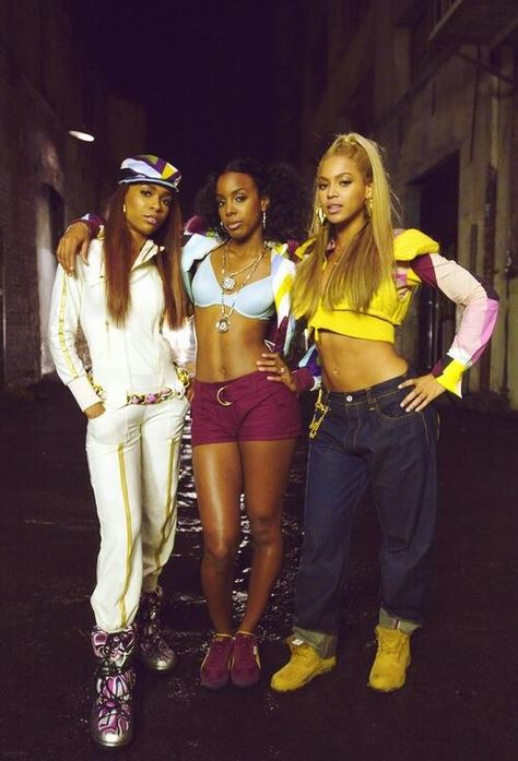 Beyonce ,KellyRowland,Micheal william back in the days Destiny's childs group love there look in these video lose my breath