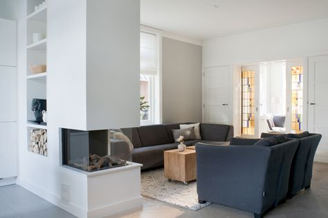 Huis on pinterest architecture house renovations and black doors for Interieurontwerp