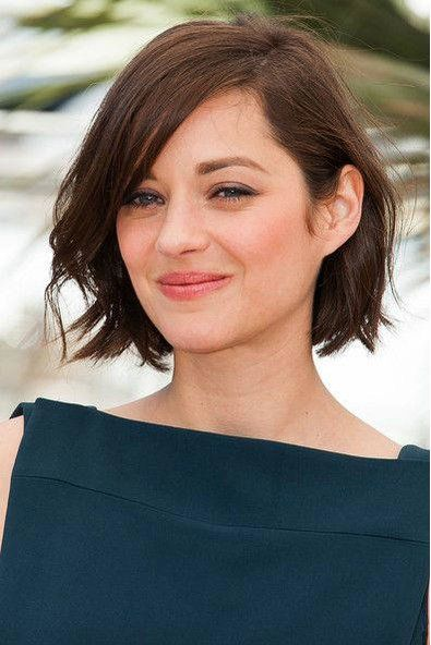 The Best Short Hairstyles For Oval Faces New Hair Chin